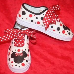Other - Hand Painted Minnie Mouse Shoes